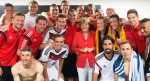 Merkel fussball.jpg